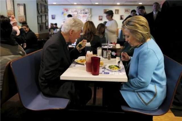 Билл и Хиллари Клинтон в 2016 году