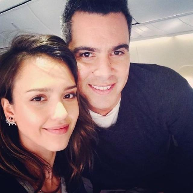 Джессика Альба с супругом, оба без макияжа.