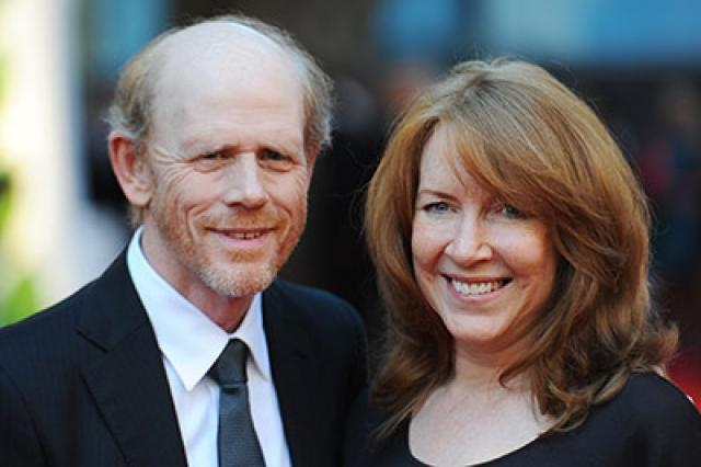 Рон Ховард. Известный режиссер встретил любовь всей своей жизни в старшей школе, где они вместе учились.