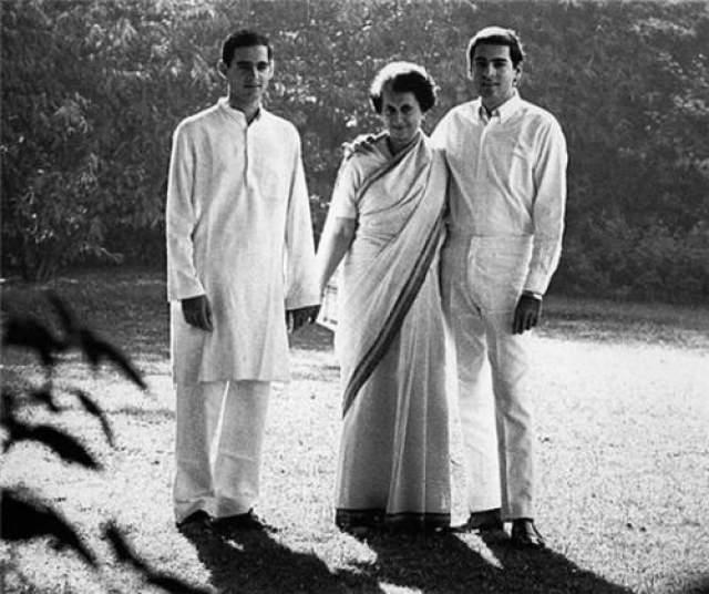 Кара не заставила себя долго ждать. Первой жертвой стал любимый младший сын Индиры - Санджай. Он разбился на самолете 23 июня 1980 года. Расследование не проводилось - это был несчастный случай.