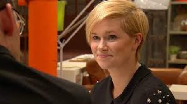 """В ноябре 2004 года ее вторая книга, """"Where rainbows end"""", также достигла вершины рейтингов в Ирландии и Соединенном Королевстве."""