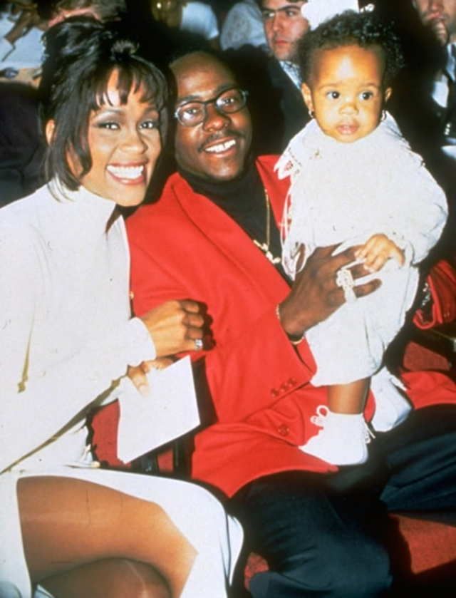 В 1992 у Уитни случился выкидыш, а 4 марта 1993 года певица родила дочку Бобби Кристину Хьюстон-Браун.