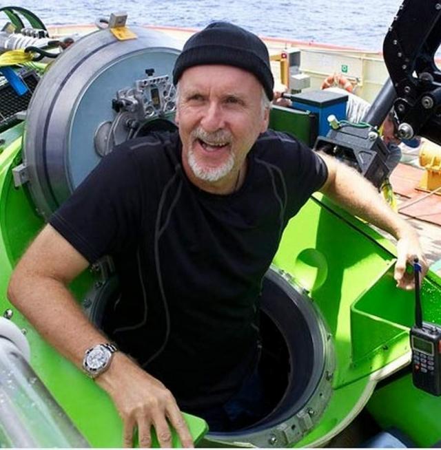 Именно поэтому Кэмерон просто приобрел субмарину и отправился на ней покорять океан.