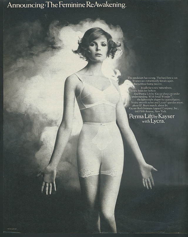 В том же году произошло еще одно значимое событие - Рой Рэймонд открыл ставшую культовой компанию Victoria's Secret. На фото будущая супермодель Шерил Тиегс .