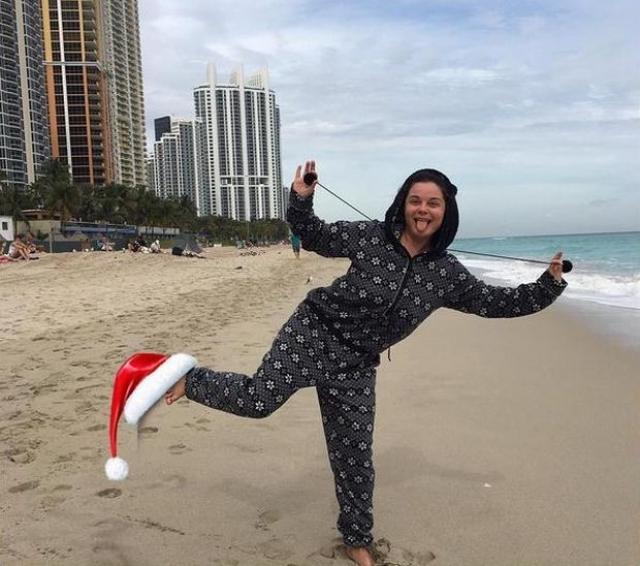 Наташа Королева с супругом проводят много времени в США, где у певицы на ПМЖ в Майами уже давно проживает старшая сестра Руся и мама, которая преподает в местной музыкальной школе и давно удачно вышла замуж за американца русского происхождения.