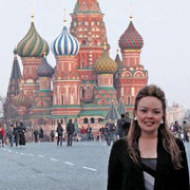 """Когда Кэтрин предложила разыскать ее родственников в России, то Тасия запретила этого делать, утверждая, что тогда """"они"""" найдут ее и убьют. Уже после ее смерти Кэтрин в начале 2010 года съездила с мужем и детьми в Россию, чтобы отыскать какие-нибудь следы Тасии."""