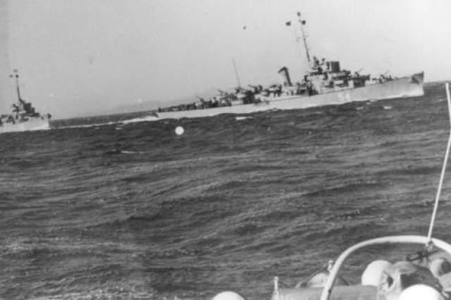 """Но что-то пошло не так: сначала судно окутала едкая дымка, затем """"Элдридж"""" просто исчез. Каким-то невероятным образом спустя четыре часа корабль материализовался на расстоянии в десятки километров от места проведения испытания на базе в Норфолке."""