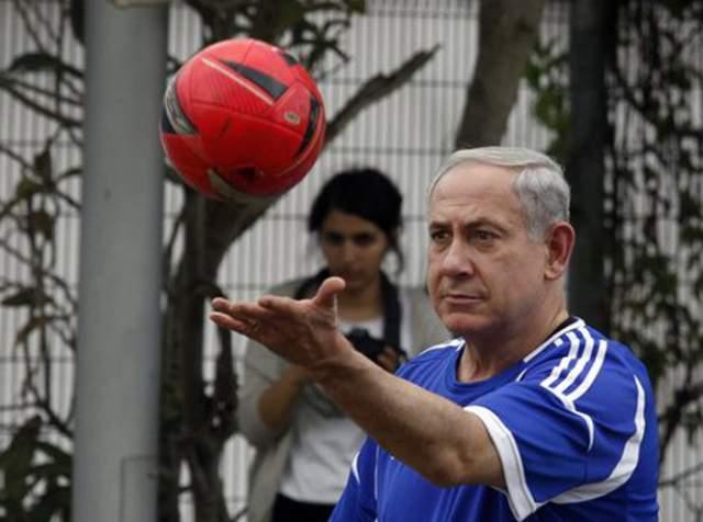 Биньямин Нетаньяху, премьер-министр Израиля (68 лет). Израильский политически деятель учит свой народ придерживаться здорового образа жизни. Еще работая в Кабинете министров, он призывал коллег прекратить переедать и начинать ходить в тренажерные залы.