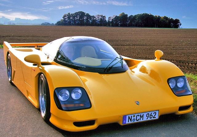 Dauer 962 Le Mans Porsche - $2 060 000. В 1994 году именно эти машины заняли 1-е и 3-е место в самой престижной 24 часовой гонке спорт-прототипов в Ле-Мане. Это точная копия Porsche 962 официально одобренная компанией Porsche.