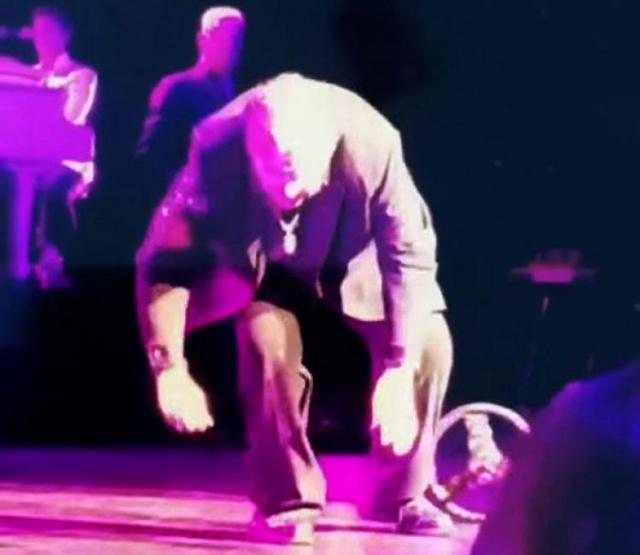 ... а также несколько случаев потери сознания из-за обезвоживания, последнее из которых произошло в июне этого года. Мит Лоуф упал прямо на сцене, при этом фонограмма его голоса продолжала играть.