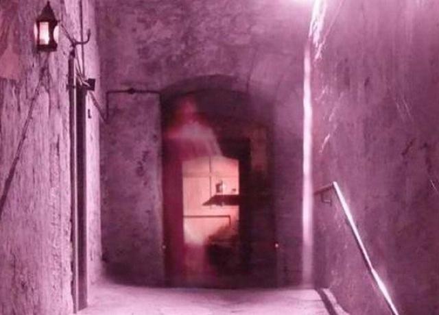 Гостиница Мэри Кинг в Эдинбурге, Шотландия уже давно имеет репутацию дома с привидениями.