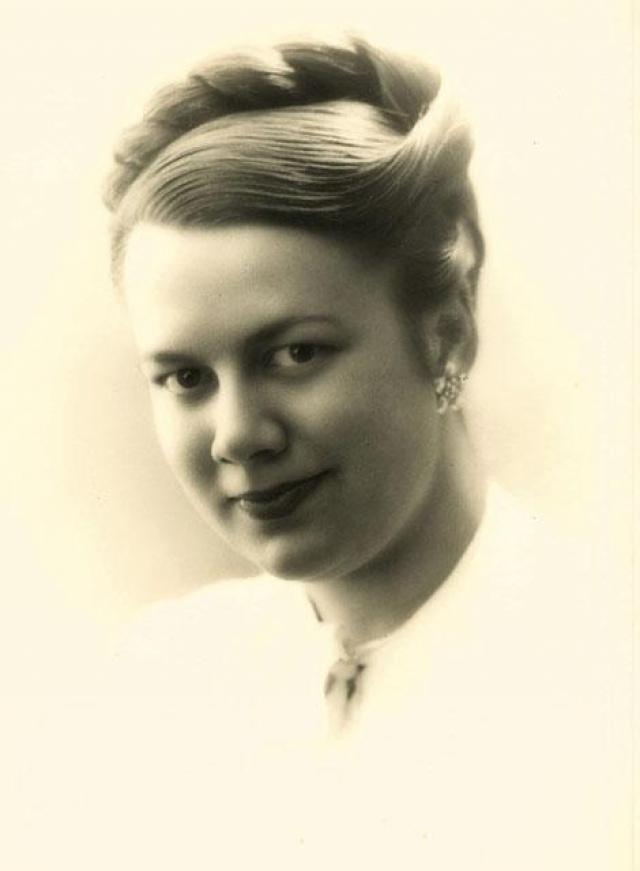 В 1926 году от русской эмигрантки Элли Джонс (Елизаветы Зиберт) в Нью-Йорке родилась его дочь Элен-Патрисия, ее Маяковский единственный раз увидел в 1928 году в Ницце.