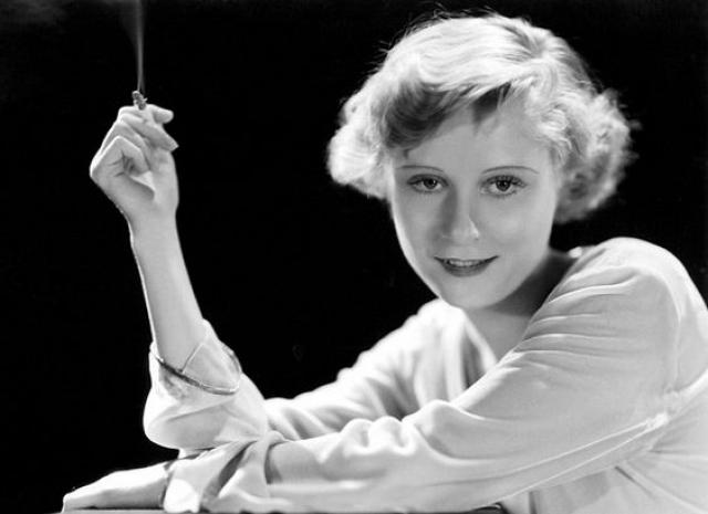 Пег Энтуисл. Британская актриса добилась успеха в Голливуде, еще в эпоху немого кино, однако, в период Великой депрессии ее карьера пошла на спад.