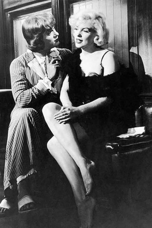 """Тони Кертису пришлось особенно тяжело, он просто зеленел от ярости, когда актриса срывала ему очередной съемочный день. """"У всех свои недостатки"""", говорите? Да актерам хотелось придушить свою партнершу!"""
