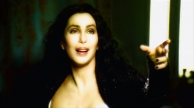 """Очередной пик коммерческого успеха ожидал Шер в 1998 году с ее альбомом """"Believe"""", главная песня, которая до сих пор считается самой продаваемой песней когда-либо выпущенной женщиной-исполнителем в Великобритании. Во время записи песни впервые в истории использовался автотюн, который позже стал известен как """"эффект голоса Шер""""."""