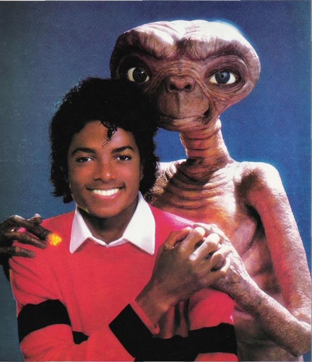 """Майкл Джексон: """"Самая милая вещь на свете - разделить с кем-то свою постель""""."""