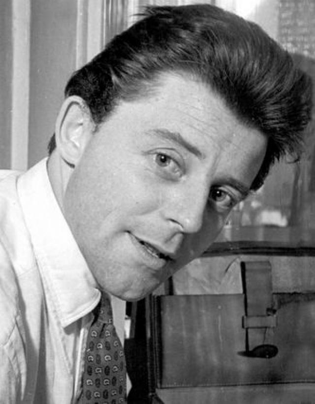 Филипу сделали операцию. Но болезнь была неизлечимой — рак. Об этом знала только его жена — Анн, и до конца она ничем не выдала себя. Жерар Филип умер 25 ноября 1959 года, в возрасте тридцати семи лет.