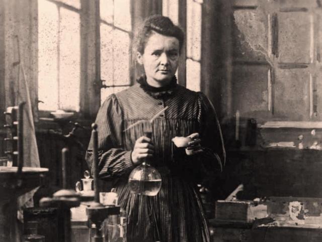 После этого всю оставшуюся жизнь она исследовала радиоактивные вещества, что не могло не сказаться на ее состоянии.