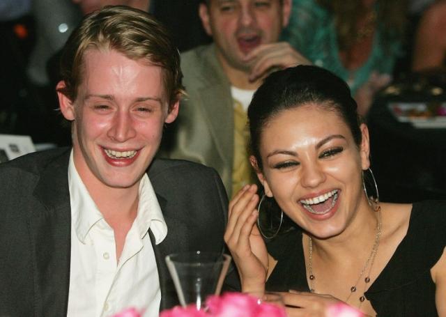 На такой шаг Маколея толкнул также разрыв с любимой - актрисой Милой Кунис, которая и оставила его как раз из-за его вредных пристрастий.