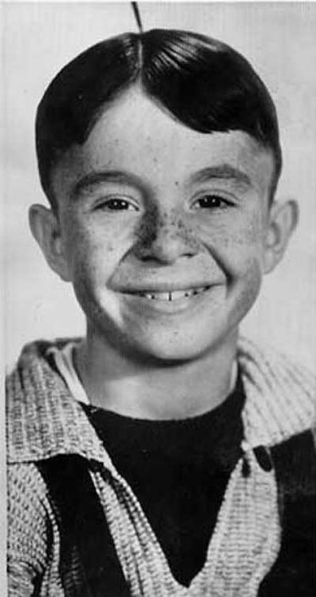 """Карл Свитцер. Ставший звездой еще в детстве, исполнив роль Альфальфы в телесериале """"Пастрелята"""", а во взрослом возрасте снимался в основном во второсортных фильмах."""