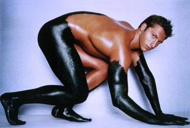 Иан Джеймс Торп. Австралийский пловец, 5-кратный олимпийский чемпион и многократный чемпион мира, экс-рекордсмен мира на дистанциях 200, 400 и 800 метров вольным стилем.