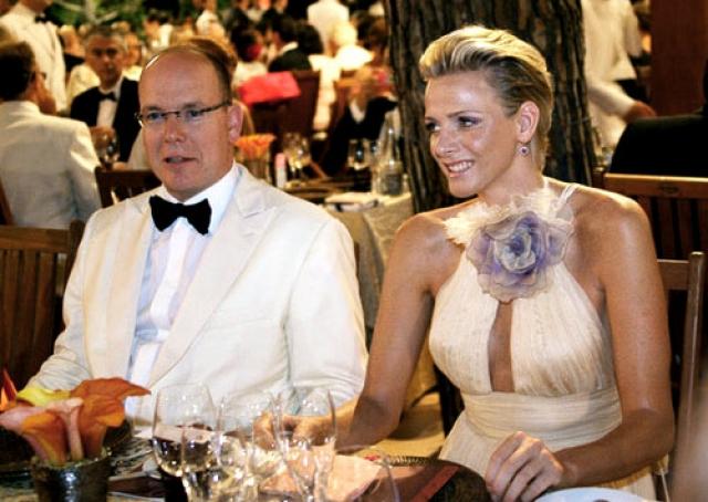 Его супруга Шарлин в молодости занималась плаванием и даже в 2000 году выступала на Олимпиаде в Сиднее.