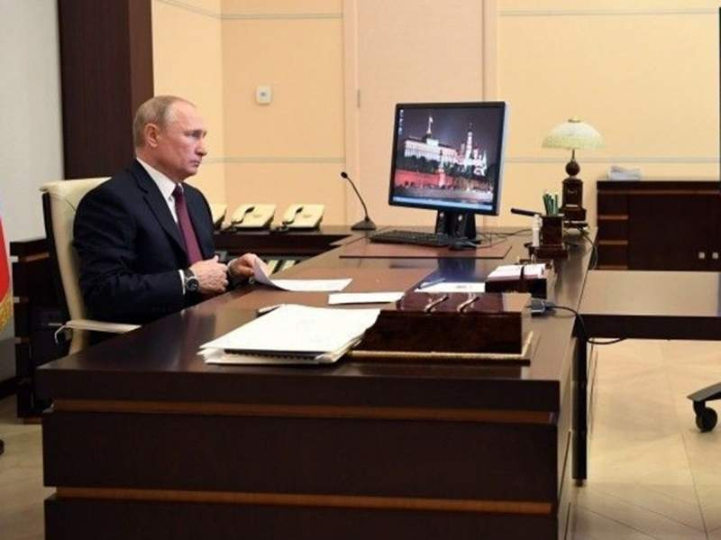 Путин поручил Мишустину создать базу генетических данных россиян. Данными исследованиями занимается старшая дочь ВВП