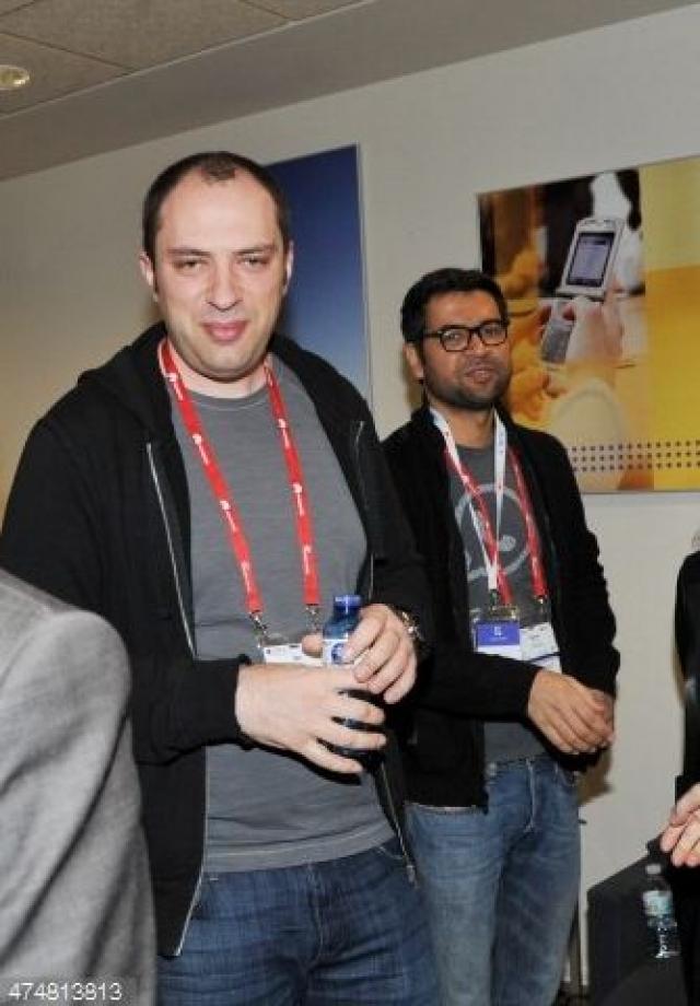 Кум начал писать код в 19 лет и вскоре вошел в состав хакерской группировки W00w00.