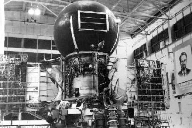 """Первые панорамы поверхности Венеры передали на Землю аппараты """"Венера-9"""" и """"Венера-10"""" еще в 1975 году."""