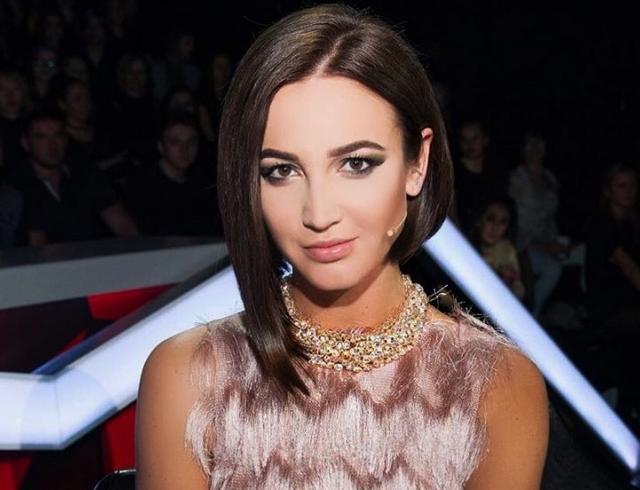 Сейчас Бузова - звезда канала ТНТ, выпускает собственную линию одежды by Olga Buzova, пробует себя в качестве актрисы и певицы.