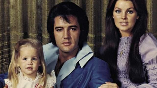 Элвис Пресли с женой Присциллой и дочерью Лизой-Мари.