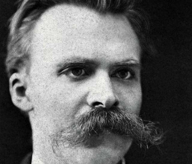 """Фридрих Ницше. Немецкий философ и писатель отрастил такие """"дремучие"""" и необычные усы, что стал примером для подражания многих современников."""