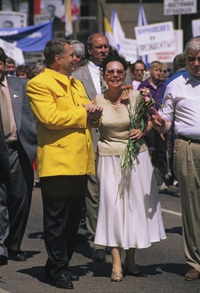 Один из самых эпатажных политиков в России, Владимир Жириновский , не изменяет своей вызывающей позиции и в выборе предметов гардероба.