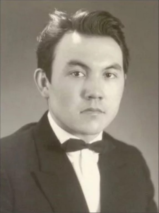 Нурсултан Назарбаев , президент Казахстана.