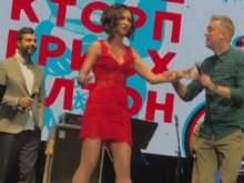 Ургант и Светлаков опозорили Бузову на концерте в