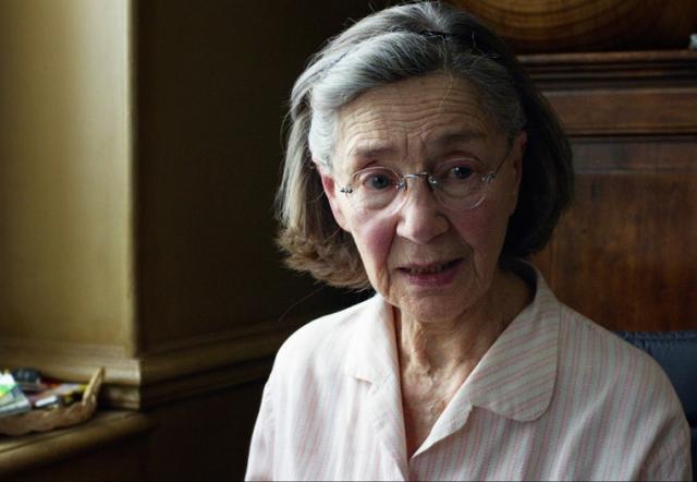 """Едва ли не более громким признанием обернулось участие актрисы в последней ленте Михаэля Ханеке """"Любовь"""", где она сыграла пожилую супругу, из-за болезни постепенно превращающуюся в """"овощ"""". Фильм принес 89-летней Риве награды премий """"Сезар"""", BAFTA, Европейской киноакадемии."""