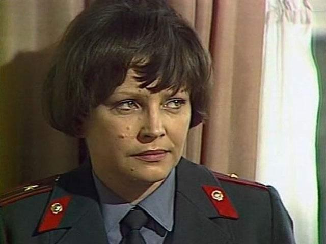 """Эльза Леждей. В 1971 года актриса впервые исполнила роль эксперта Зинаиды Кибрит в многосерийном фильме """"Следствие ведут знатоки"""", которая стала для нее самой звездной."""