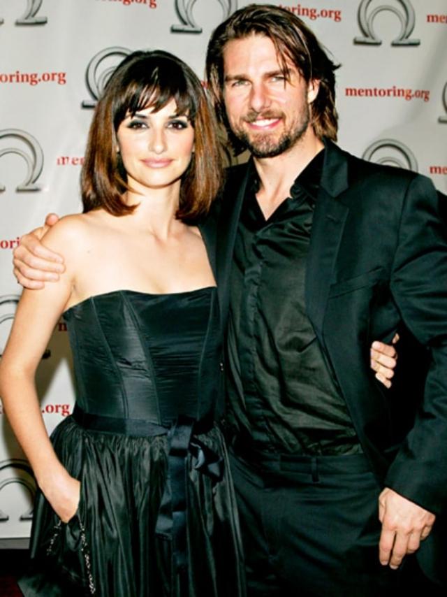 """На съемках фильма """"Ванильное небо"""" завязался роман Тома Круза и Пенелопы Крус, что послужило причиной расставания с Кидман. Пара развелась в 2001 году."""