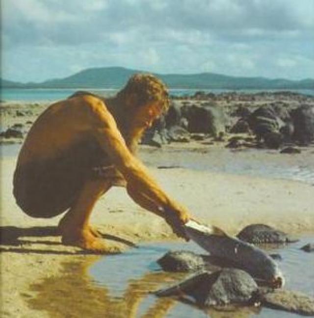 В 1983 году остров поразила засуха и пара осталась без запасов пресной воды — спасли их аборигены с расположенного неподалеку острова Баду. Вернувшись в Британию, Джеральд и Люси, наконец-то, развелись и написали книги, ставшие бестселлерами.