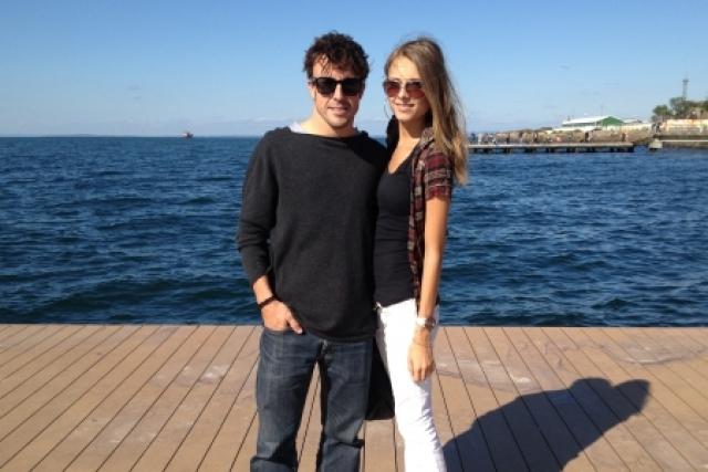 Пара была вместе два года, Капустина учила Алонсо русскому языку и устраивала экскурсии по родному Владивостоку. Однако в конце 2014 они расстались