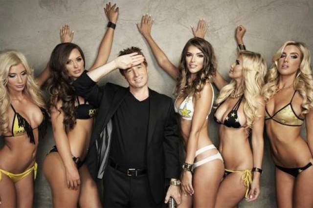 Основатель компании Rockstar, выпускающей одноименные энергетические напитки, Рассел Вайнер входит в список 400 богатейших американцев.