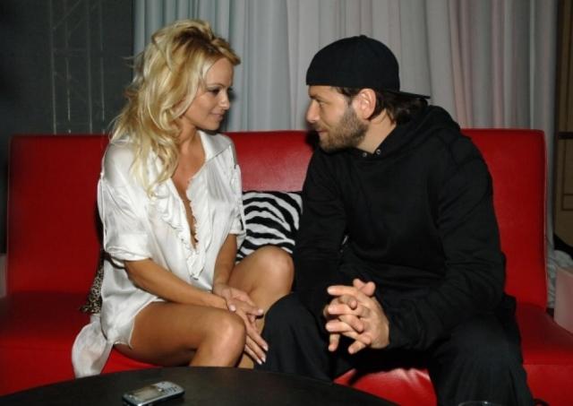 Затем Памела была замужем за кинопродюсером Риком Саломоном . Брак также не был долгосрочным и длился с 2007 по 2008 год.