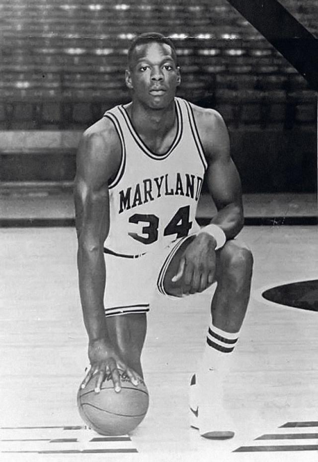 "Леонард Кевин ""Лен"" Байас (1963-1986). В 22 года баскетболист стал настоящей легендой родного штата, ему прочили славу Майкла Джордана."