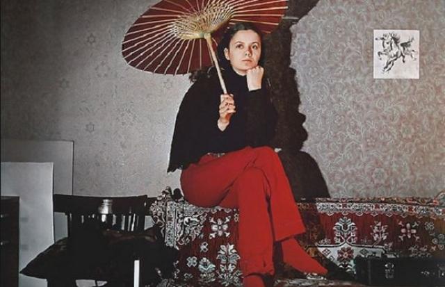 До нее была художница Людмила Шурыгина, бывшая подруга виолончелиста Всеволода Гаккеля, которая работала уборщицей в 222-й школе. В этом браке родился сын Глеб.