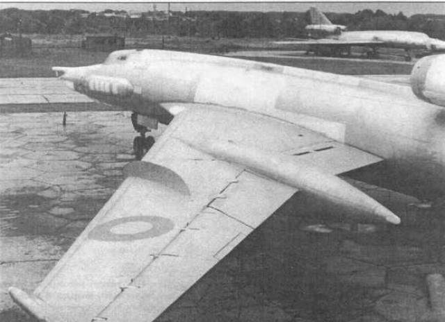 Инструктор сумел отвести падающий горящий самолет от жилых кварталов Гомеля, а затем и от пригородного поселка. В безопасном месте он дал команду остальным летчикам покинуть самолет Ту-22У на котором катапультирование экипажа происходит вниз.