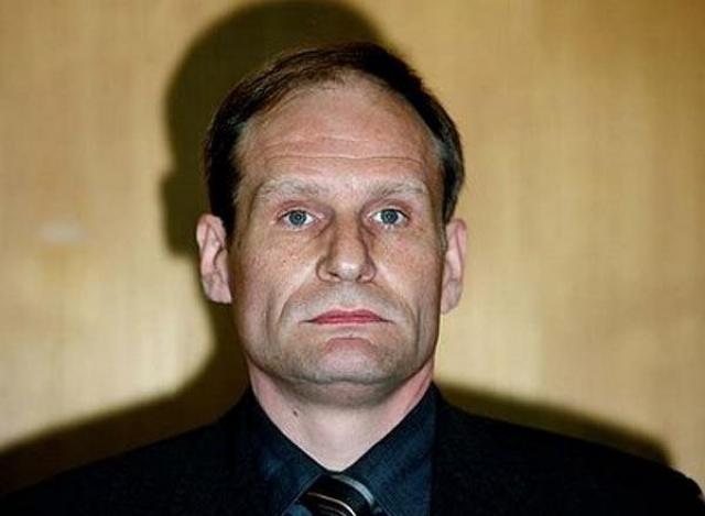 Чтобы попробовать человечину. Армин Майвес в 2001 году расчленил и съел Юргена Брандеса.