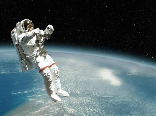 Большая часть астронавтов в космосе подрастает на пять сантиметров.