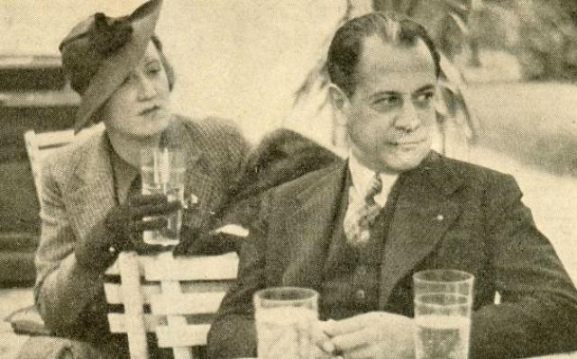 С того момента они были неразлучны. На свадьбе, говоря тост в честь супруги, Рауль сказал, что это самая блестящая партия в его жизни.
