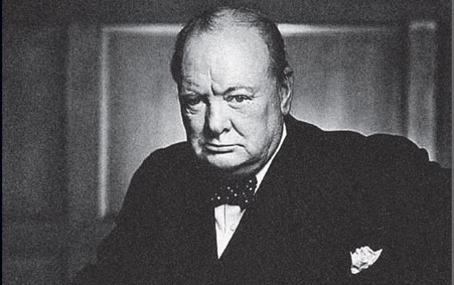 Британский премьер Уинстон Черчилль , менял постельное белье каждую ночь. Причем в гостиницах, где он останавливался, часто даже ставили две кровати рядом. Проснувшись ночью, Черчилль ложился на другую кровать и спал на ней уже до утра.