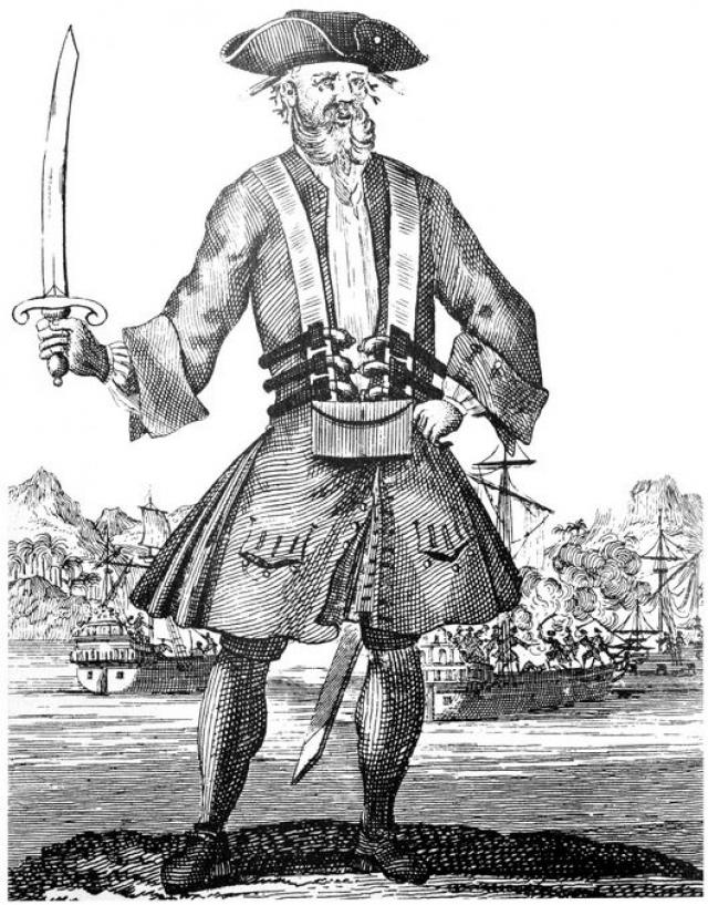 Скорее всего Тич служил в армии, но дезертировал и стал флибустьером. Кроме того, что он нагонял страх своей бородой, Эдвард действительно был отважен, за что его уважали коллеги-пираты.